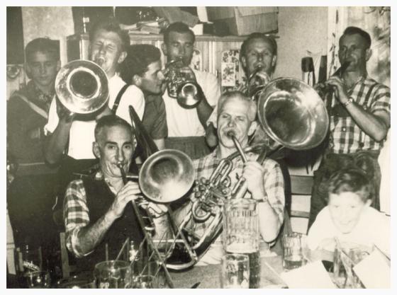 Gründungsmitglieder der Perlhütter Musikanten